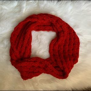 Accessories - ☀️ Beautiful red infinity scarf 🧣